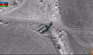 Döyüş sursatı yüklənən düşmənin hərbi yük maşınları partladılıb - FOTO/VİDEO