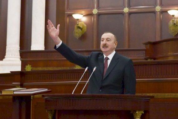 Azərbaycan ciddi dəyişikliklərin astanasında: Parlament buraxılır - Referenduma gedilir